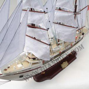 mô hình thuyền gỗ Lê Qúy Đôn 2