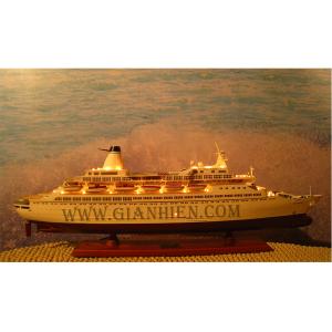 Thuyền Du Lịch gắn đèn(Cruise Ships with lights)