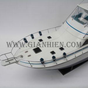 Mô Hình Thuyền Gỗ Lưu Niệm BERTRAM 570 11