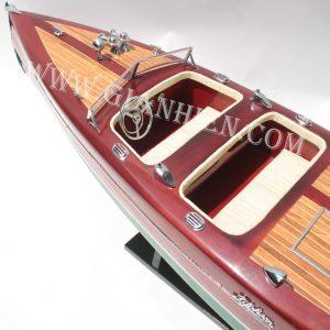 Mô Hình Thuyền Buồm Phong Thủy TYPHOON 7