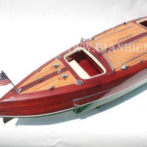 Mô Hình Thuyền Buồm Phong Thủy TYPHOON 5